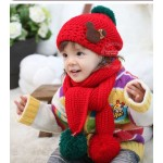 Шапка+шарфик, красная с зеленым бумбоном