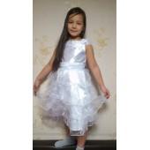 Платье белое с воланами